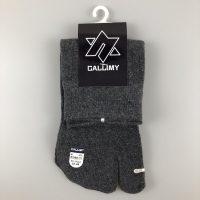 卡拉蜜二趾中筒襪-灰